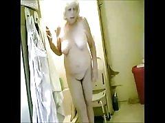Upea! vakoilu hot mummoni Kylpyhuone