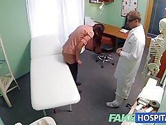 Fakehospital lyhyt tukka hottie on ilman vakuutusta